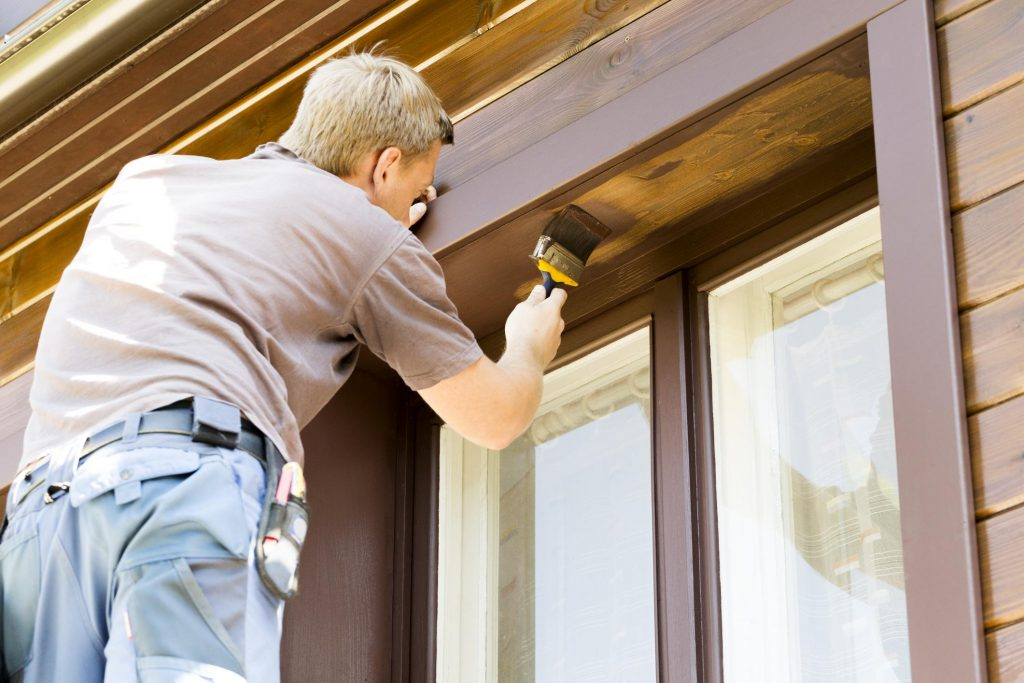 professional outdoor repairs maintenance service